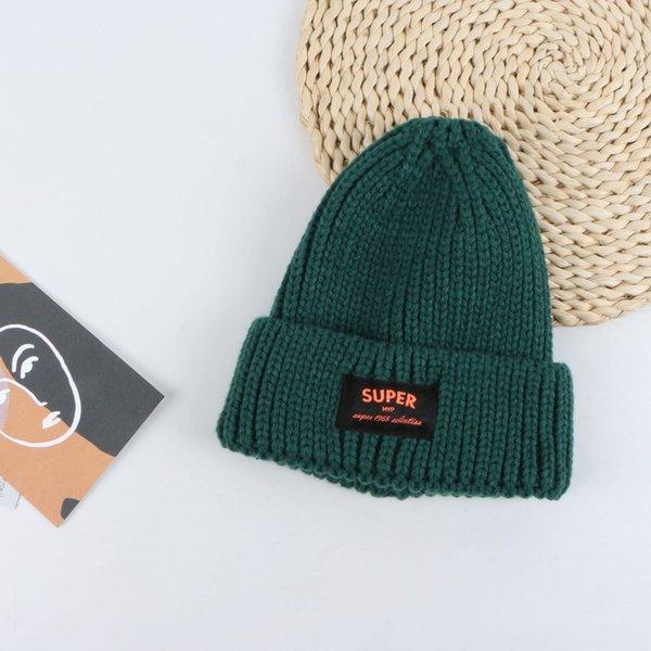 Sombrero de lana de etiqueta de súper tela - verde oscuro