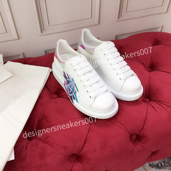 top new Man Lace Up Platform Oversized Sole Sneakers White Black Casual hc191002