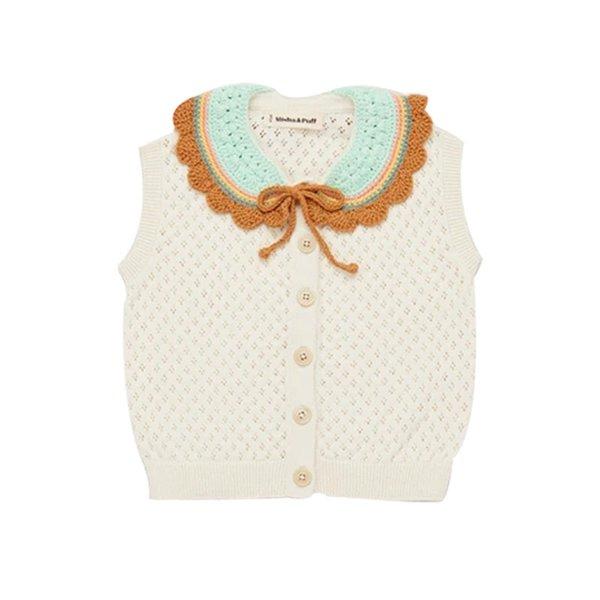 Weißes Knit-T-Shirt.