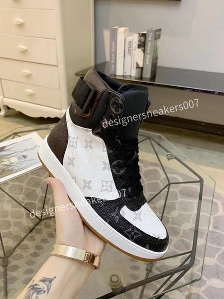2021Woman fashion Oversize sneakers leather shoes leather shoes increase Men And Women size gdjs190928