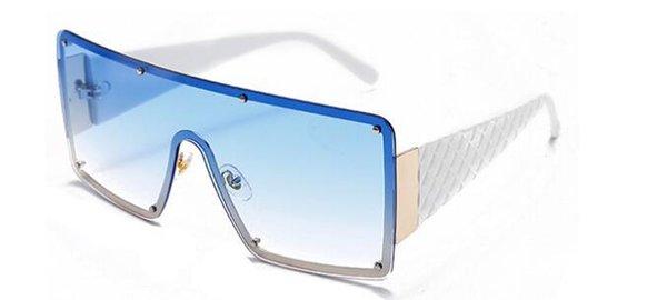 C3 branco azul