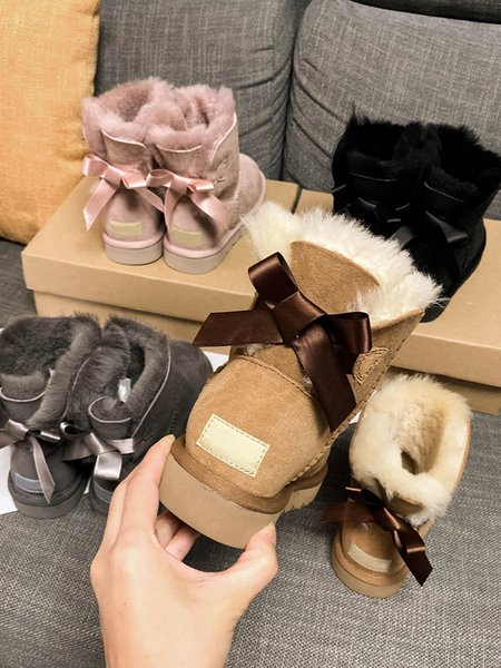 best selling 2020 Designer Booties Women Winter Snow Boots Fashion Martin Classic Short Bow Boots Ankle Knee Bow Girl MINI Bailey Boot Size 5-10
