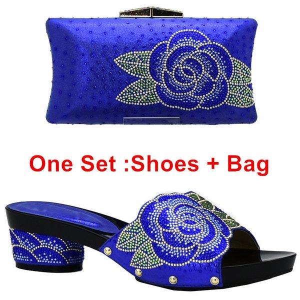 Zapatos azules ang