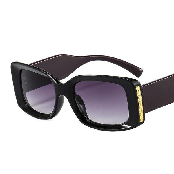 Gris púrpura negro