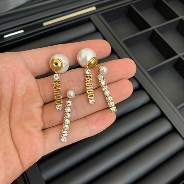 top popular Fashion Big circle exaggeration earrings suitable for ladies wedding design D-shaped pearl earrings jewelry 2021