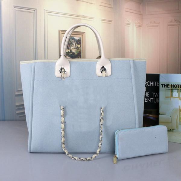 라이트 블루 + 지갑