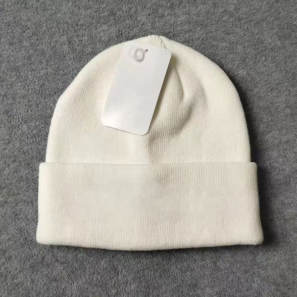 top popular Warm Beanie Man Woman Skull Caps Fall Winter Breathable Fitted Bucket Hat Cap Good Quality 8WJ2 2021