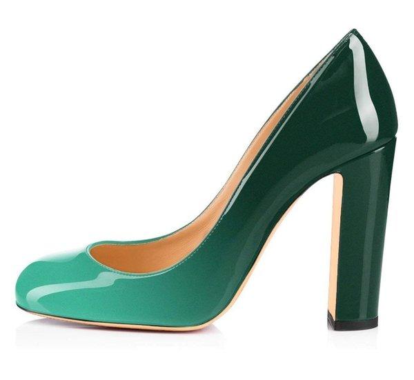 Verde verde oscuro.