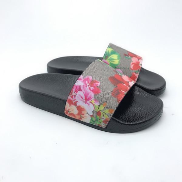 top popular 2021 New Men Women Sandals Shoes Slippers Print Slide Summer Wide Flat Lady Sandals Slipper With Box Dust Bag 35--45 2021
