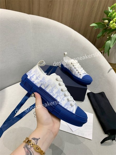 2021NEW Italy casual Shoes suede fashion Oversize sneakers leather shoes leather shoes increase Men And Women size oly200619