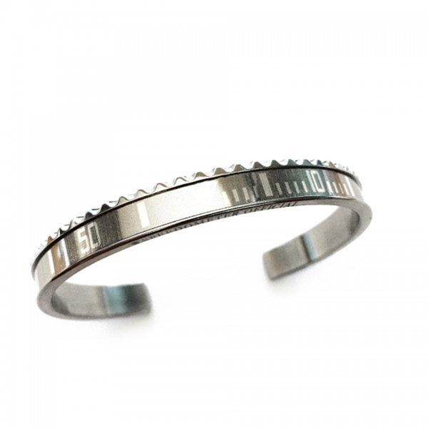 Stahl-Silber