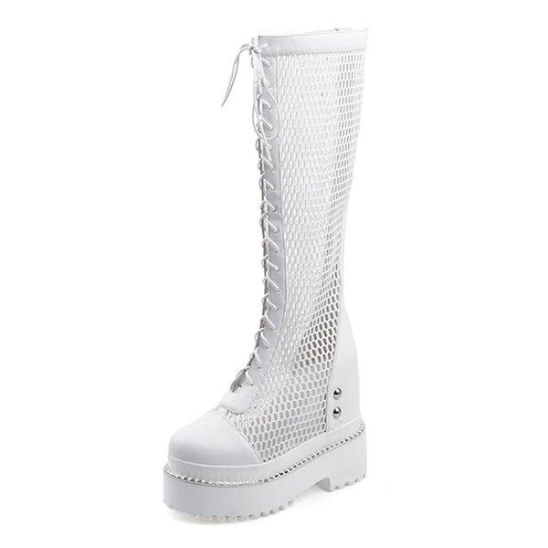 Beyaz ayakkabılar