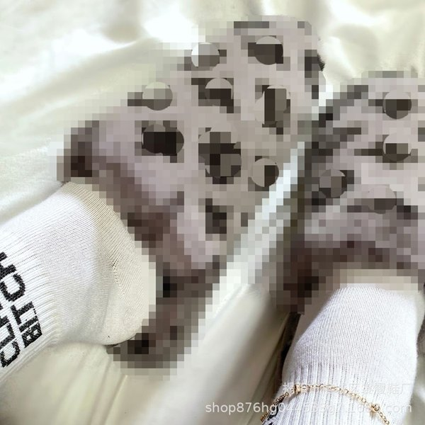 Серая обувь
