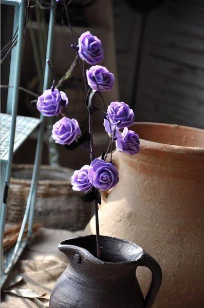 hojas negras púrpuras