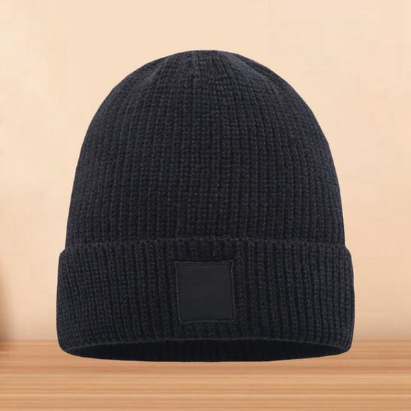 best selling Beanie Knit Hat Autumn Winter Outdoor Men Knitted Hat Hip-hop Skull Caps Embroidery Badge Skullies Warm Man Sport Gorros Women Knitwear Cap
