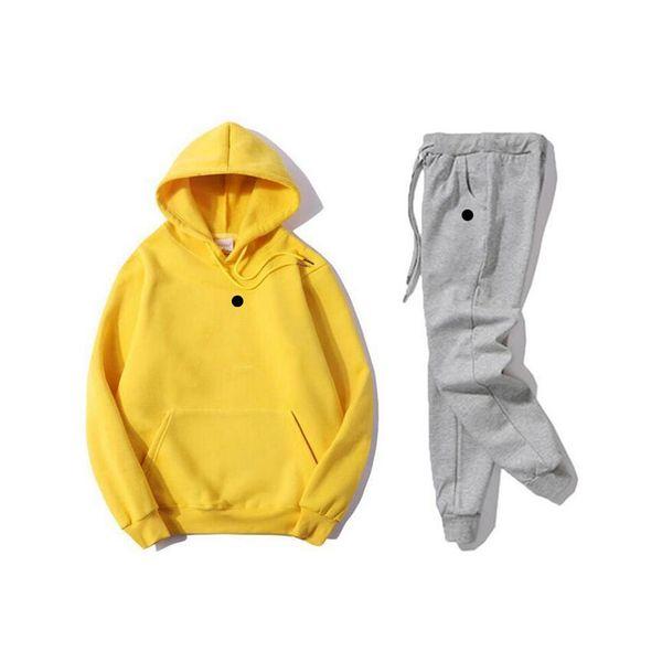 q amarillo blacklogo