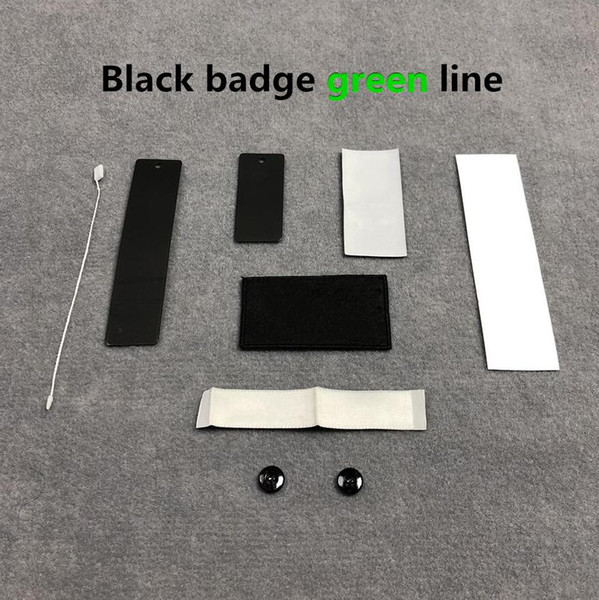 Línea verde de la insignia negra