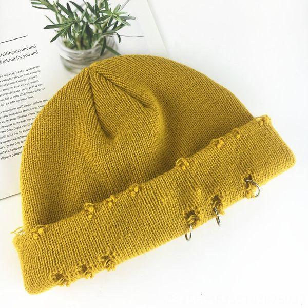 Chapeau tricoté de curcuma avec trois anneaux