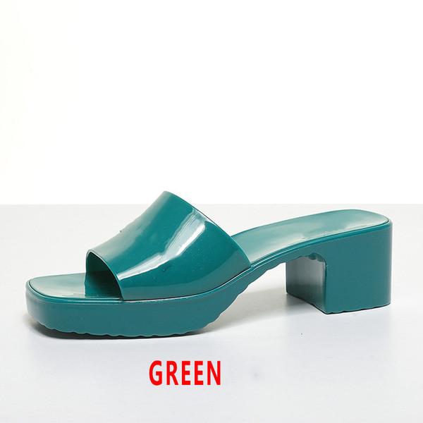 Verde con logo.
