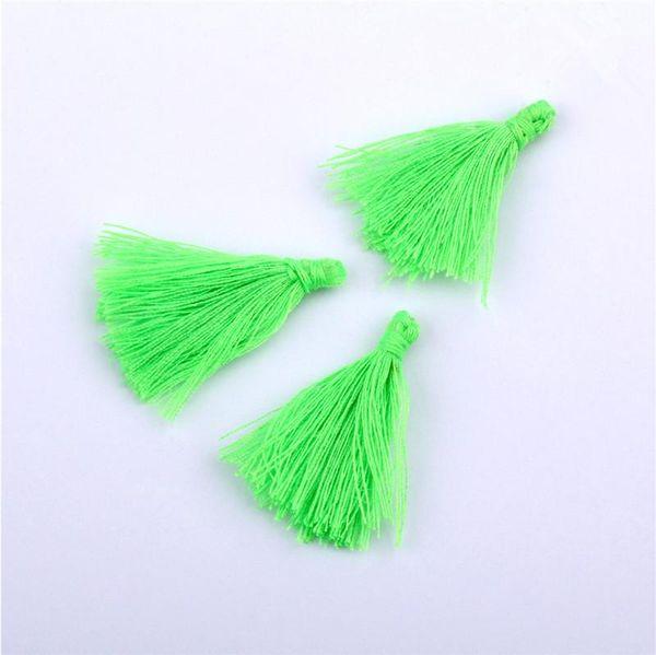 Borlas verdes brillantes
