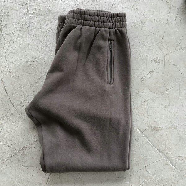 Calças cinzentas lavadas