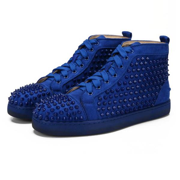 Blaue Wildleder-Spikes.
