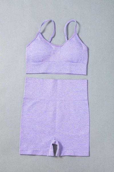 Фиолетовый бюстгальтер коротко