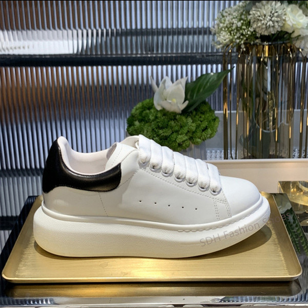 top popular 2021 Velvet White Mens Womens Reflective Leather Casual Shoes Lace Up Platform Dress Party Shoes Comfortable Flat Trainers Size35-46 2021