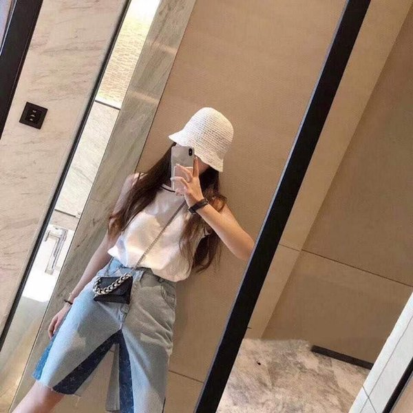 best selling Cute short vest sleeveless camisole top women's spring and summer white cropped vest fashion casual with cherry print