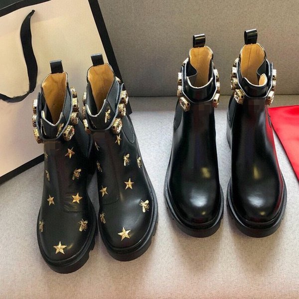 top popular 2021 Top Women Designer Boots Martin Desert Boot Flamingos Love Arrow 100% Real Leather Medal Coarse Non-Slip Winter Shoes Size US5-11 2021