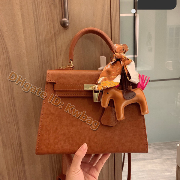 top popular High-quality Shoulder Bags luxurys designers leather hot solds womens bag real leathers pochette tote women bags Tote bag crossbody handbags 2021