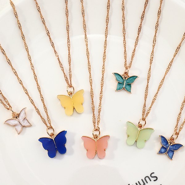 Fashion accessories simple versatile color necklace, acrylic small butterfly clavicle chain Follow the feeling and choose what you like at first sight.