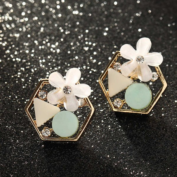 Ez1878 fashion accessories small fresh flower Zircon personalized geometric resin Earrings Follow the feeling and choose what you like at first sight.