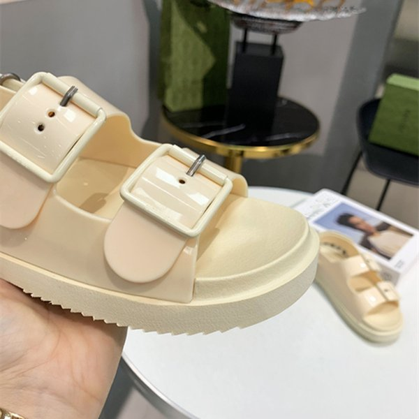 top popular 2021 fashion women's jelly sports sandals give you different comfort and luxury 2021
