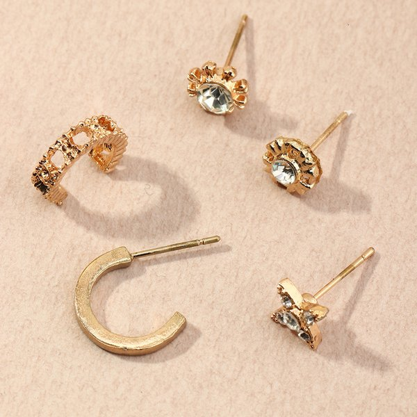 Ez2652 fashion accessories simple geometry personalized metal zircon Star Stud Earrings Follow the feeling and choose what you like at first sight.