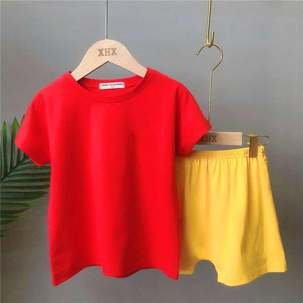 2041 kırmızı ve sarı takım elbise