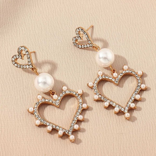 Ez2006 fashion accessories long temperament full diamond hollow Love elegant pearl Earrings Follow the feeling and choose what you like at first sight.