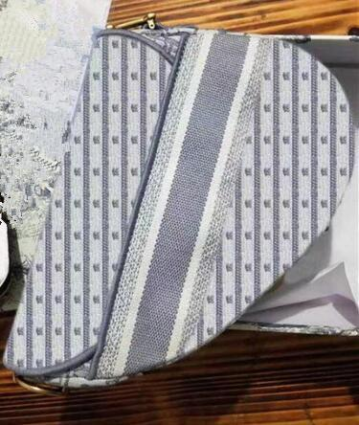 2 Вышивка серый