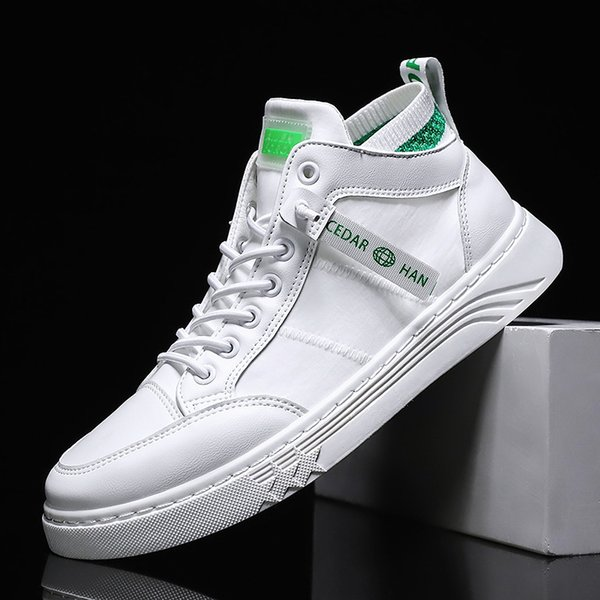 Men Casual Shoes 2021 New Spring Summer Ultra-light Sneakers For Men Fashion Mesh Breathable Vulcanized Shoes Male White Shoes