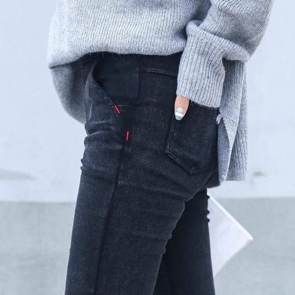W00819 gris negro