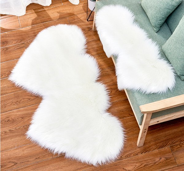 top popular Plush area rugs Wool like carpet manufacturers supply home decoration living room sofa thickening double heart-shaped creative cushion customization 2021