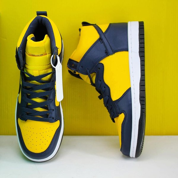 High quality best new Michigan Dunk High quality men's running shoes for high quality Doraemon reverse skunk spectrum strawberry cough lady