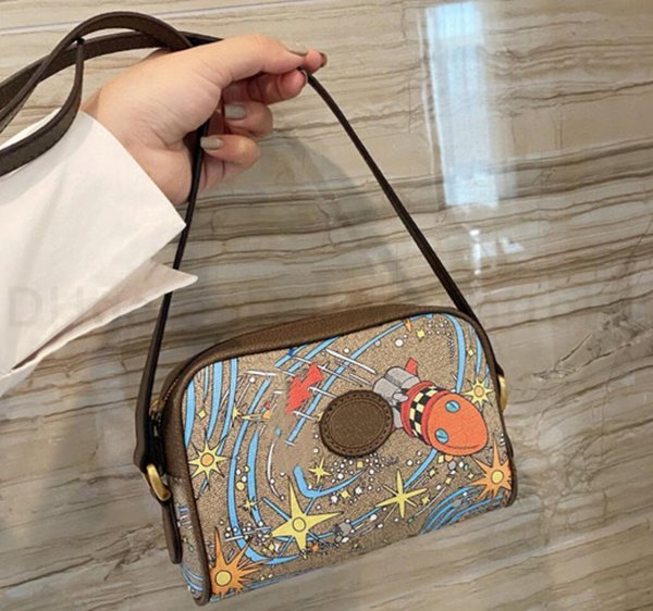 2021 Classic luxurys designers bags Lady Fashion CrossBody bag Clutch Bags Letter Handbags Totes bag women cartoon Shoulder Bags Camera BSF