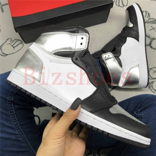 top popular Silver Toe Metallic Shoe 1 High OG WMNS Sneaker 1s Trainers Fearless Shoes Blue Chill Bio Hack UNC Obsidian Sneakers 2021