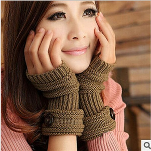 Wholesale-Autumn and winter female cute Clubman half finger cuff buttons are knitting Mittens glove