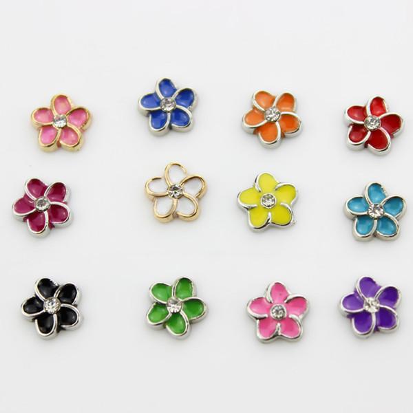 Mischen Sie 12 Farbe 120pcs / lot die sich hin- und herbewegenden Charmeemailcharme der Rhinestoneblume für das freie Großhandelseinkaufen der lebenden Gedächtnismedaillons