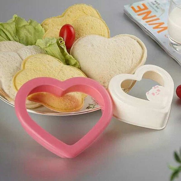 1PCS Sandwich Mold Cartoon Love Heart Shapes Essential DIY Sandwich Cutter Pink Color Free Shipping