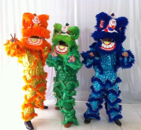 Lion Unicorn Asian new year / Lion Dance New Year | Etsy | 555x600