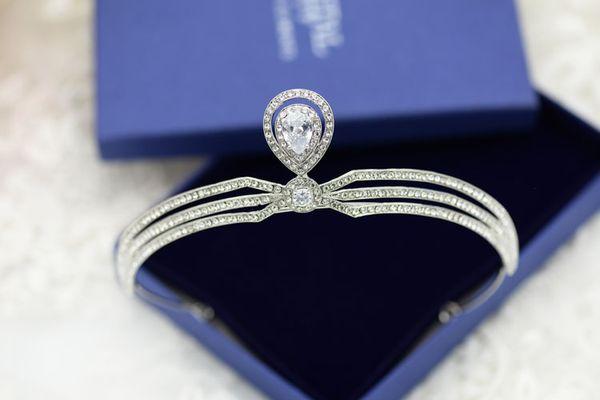 Shiny Crystal Princess Bridal Crowns Celebrity Velo da sposa Accessori per capelli da sposa perline con strass Imperial Wedding Crowns