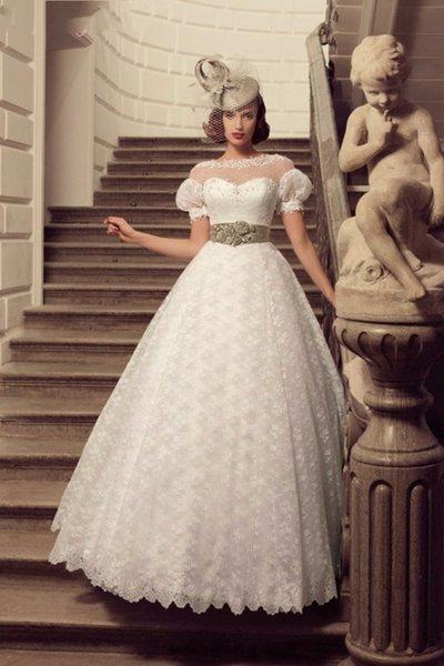 Vintage Short Sleeve Wedding Dress A Line Vestidos De Noiva Custom Made 2016 Summer Spring Sheer Neck Modern Romantic Lace Bridal Gowns